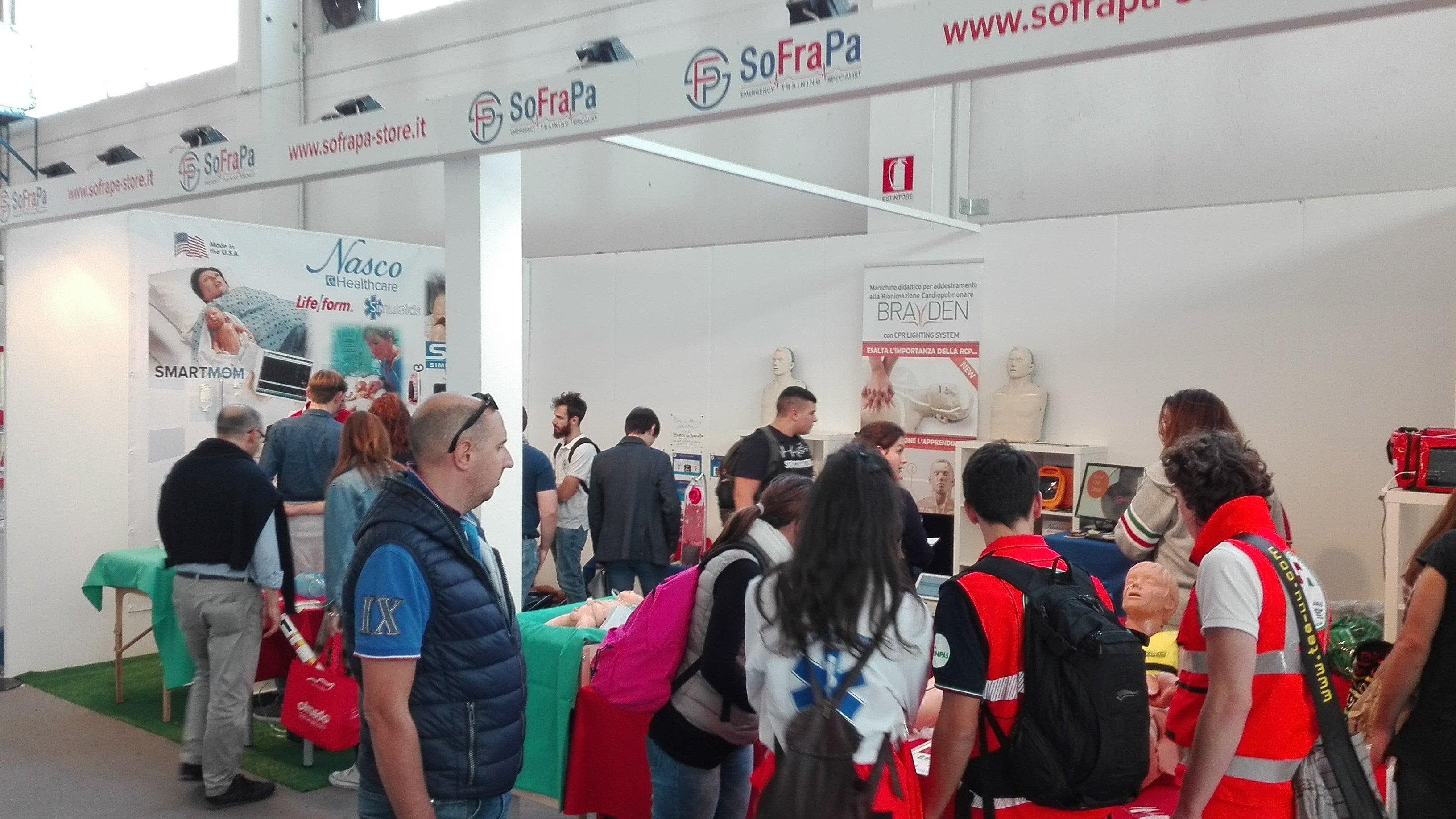 Folla di visitatori allo stand SoFraPa